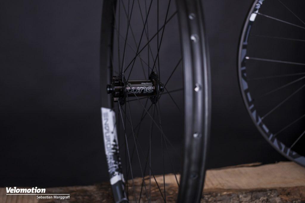 Tune Endurorider Laufräder Seutenansicht ganzes Laufrad