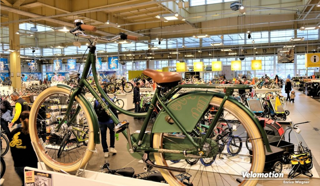 Beide Filialen zählen zu den größten Fahrradläden in Europa