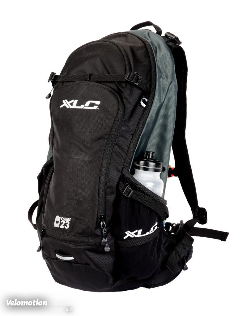 Beim XLC Rucksack mit 23 Litern Volumen und einer Sinnvollen Aufteilung lässt sich alles Wichtige gut unterbringen