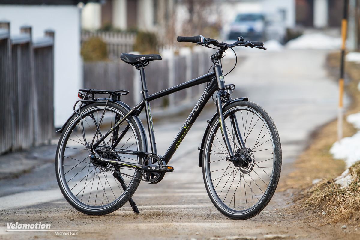 test victoria trekking 5 8 komfortabler tourer mit riemenantrieb velomotion. Black Bedroom Furniture Sets. Home Design Ideas