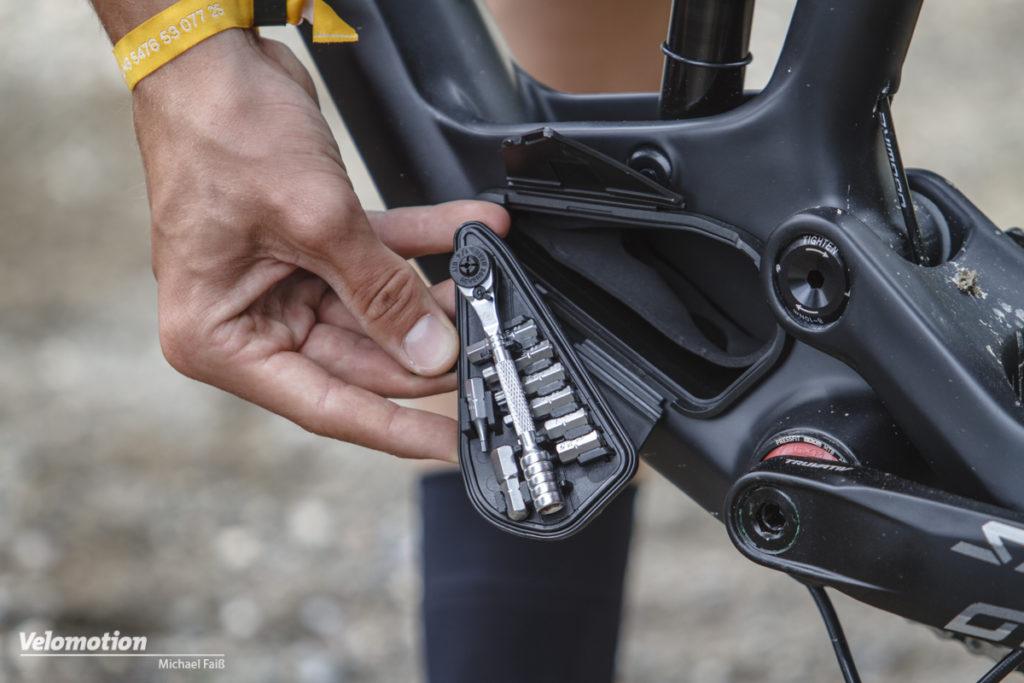 Bergamont Contrail Carbon Stashbox Tools