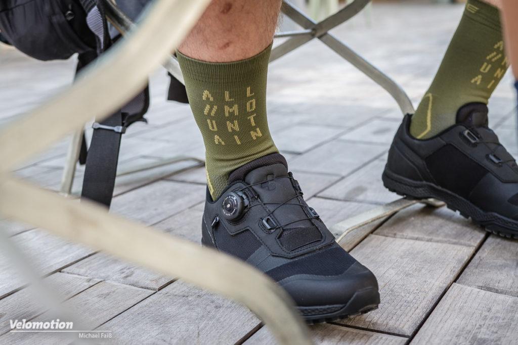 Cube Staff Modeshooting Detailbild Dchuh und Socken