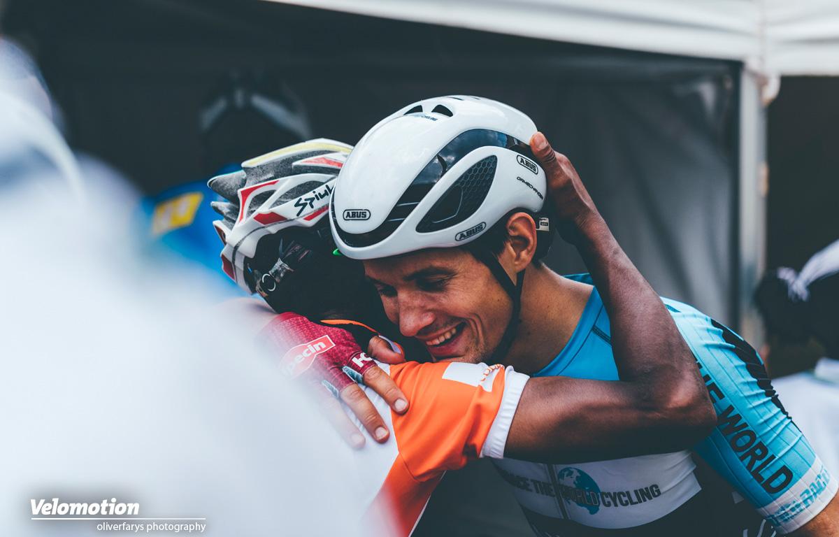 Embrace The World Cycling Julian Hellmann