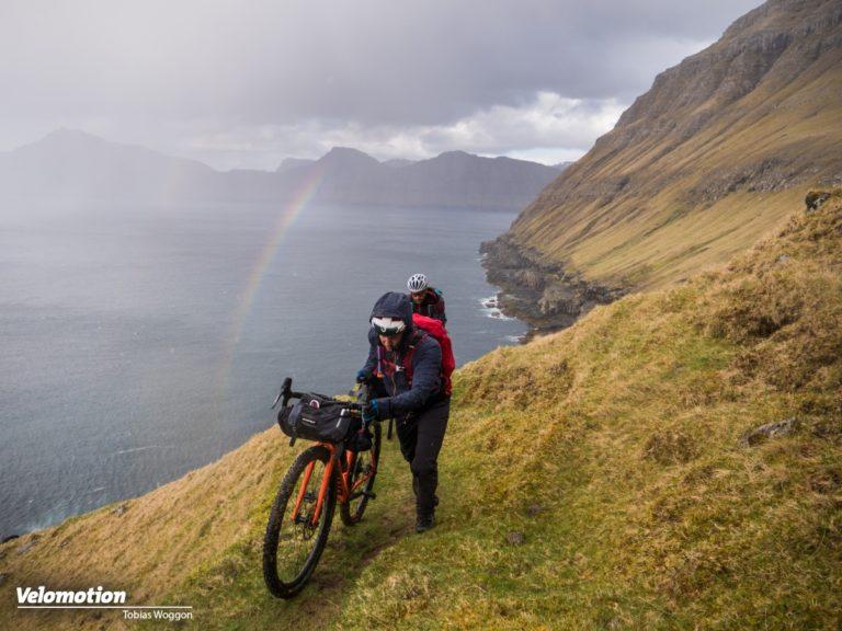<span class=vmsubtitle>Tobi Woggon unterwegs - Einsames Ziel im Nordatlantik:</span> Bikepacking auf den Färöer Inseln