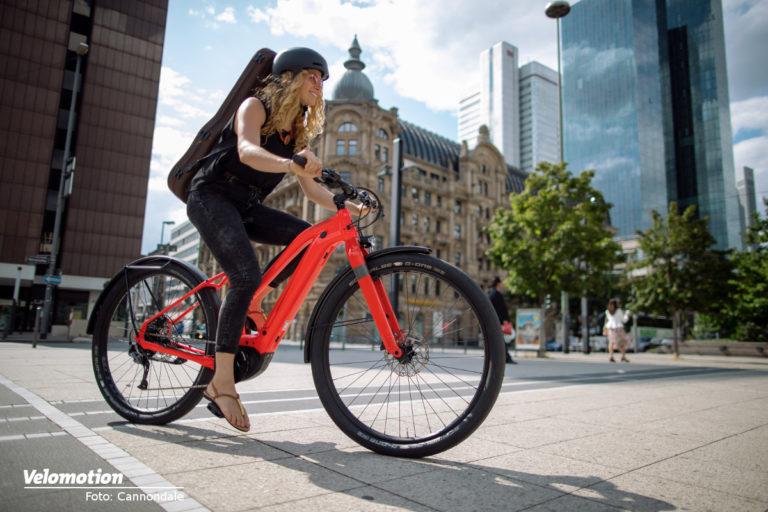 "<span class=vmsubtitle>Neues E-City-Bike mit Bosch Antrieb und 29"" Bereifung:</span> Cannondale Canvas NEO"
