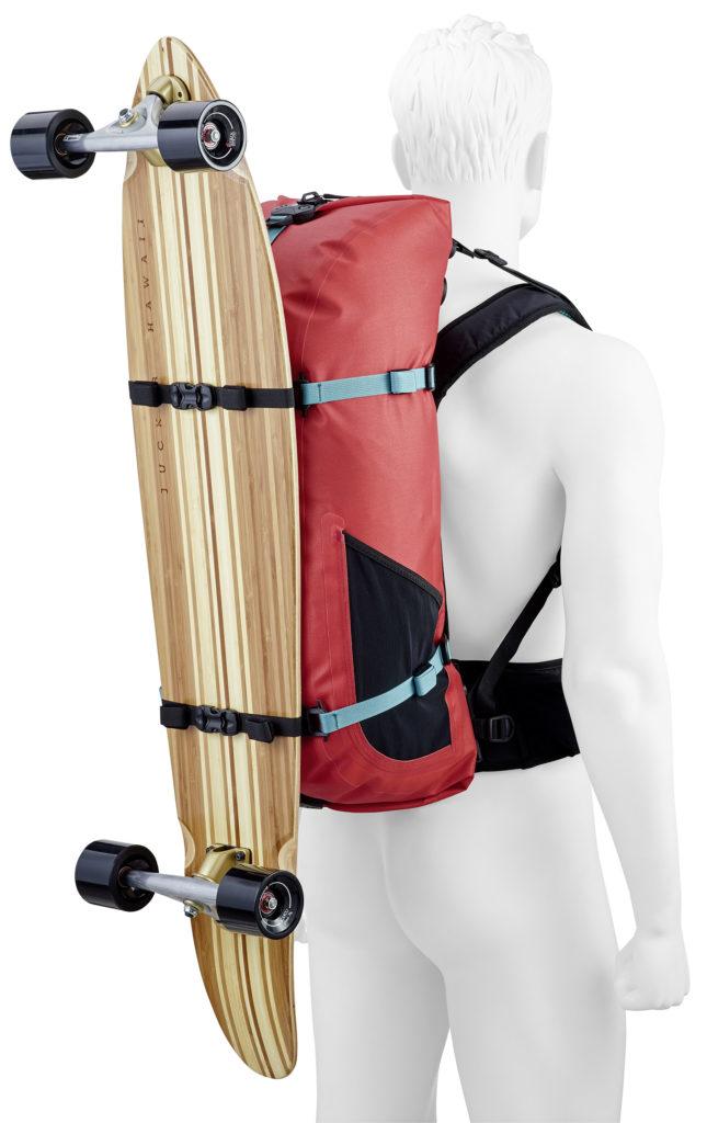 Ortlieb Atrack Rot mit Longboard