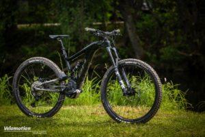 BH AtomX Carbon Lynx 6