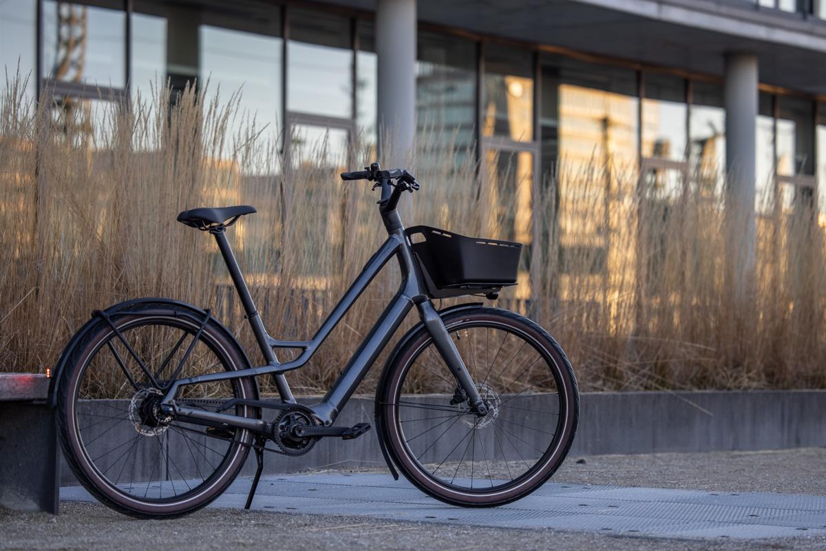 Specialized Como SL: Leichtes City E-Bike für einen sorglosen Alltag
