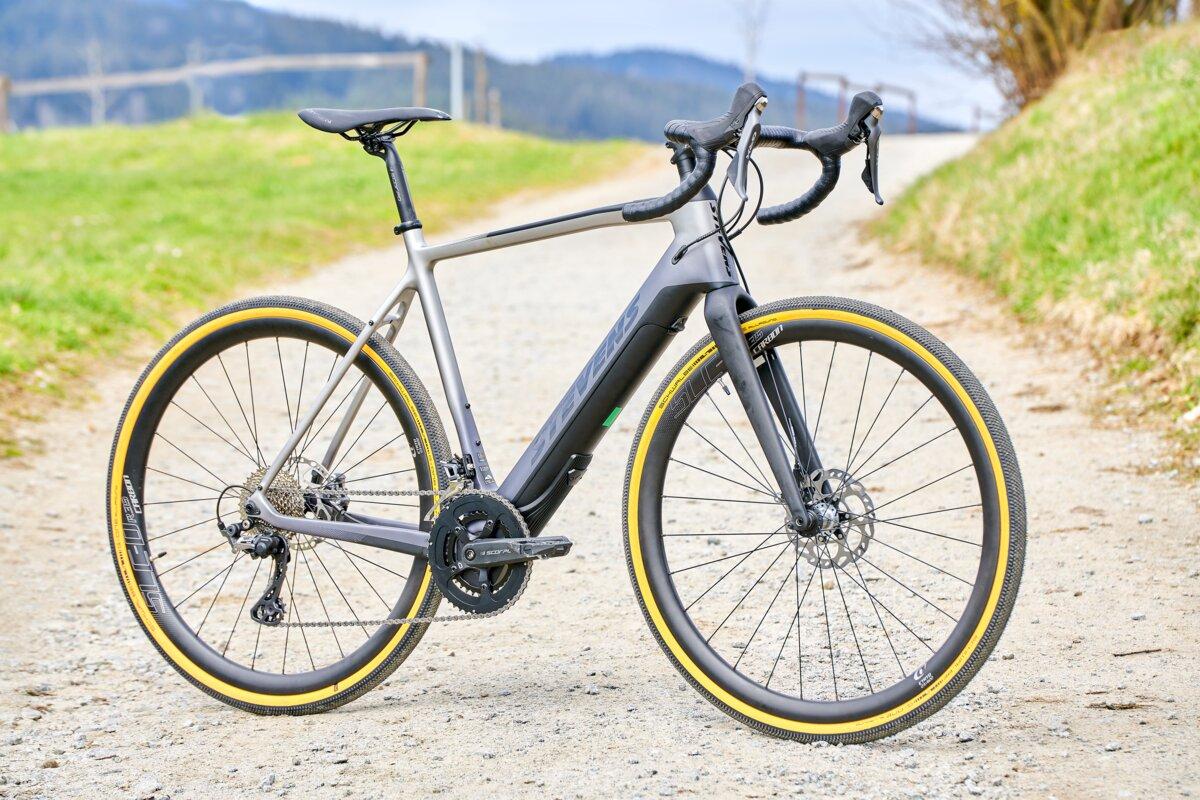"<span class=""vmsubtitle"">Gebrauchtes E-Bike kaufen:</span> Sportives E-Gravelbike aus Hamburg"