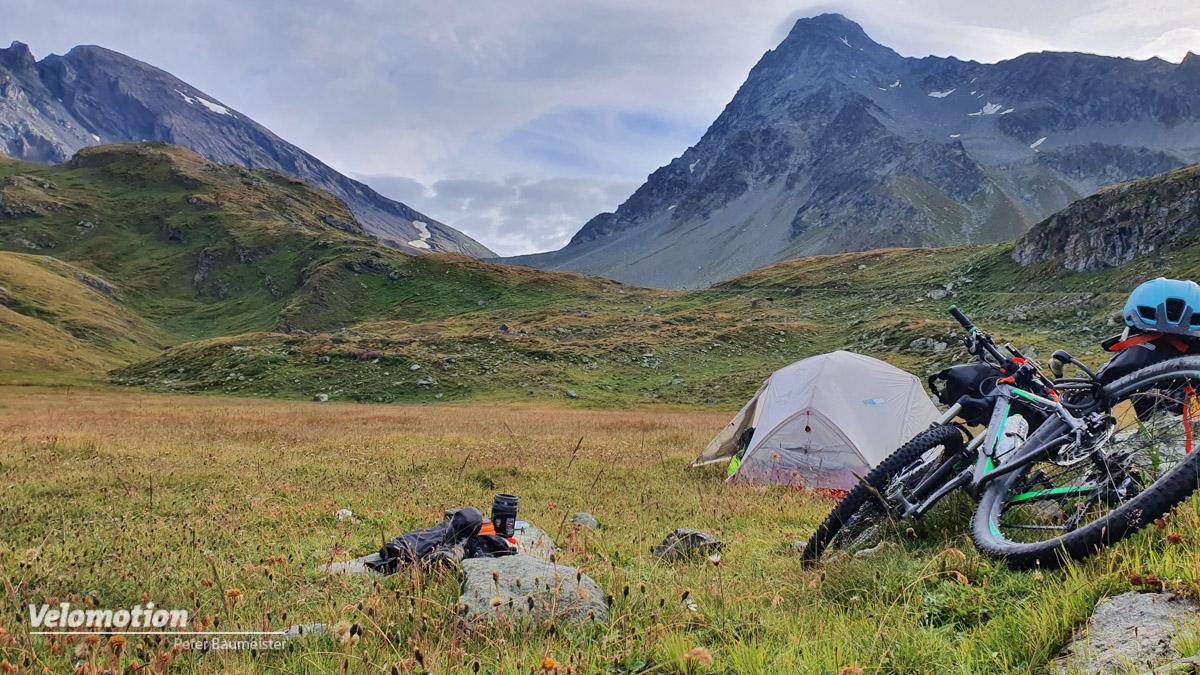 Alpenüberquerung, Zelt