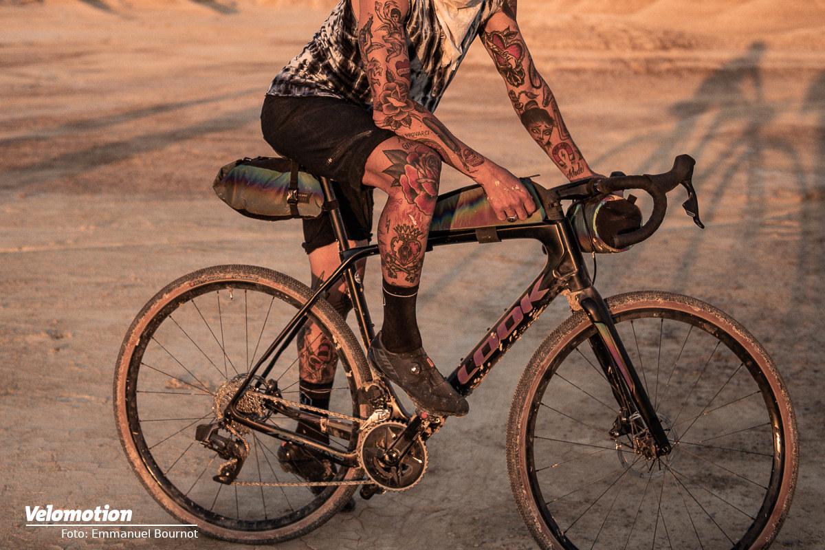 LOOK Gravel-Rahmen und Restrap Bikepacking-Taschen